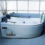 Ванна-джакузи с гидромассажем - цена, разновидности, польза и противопоказания